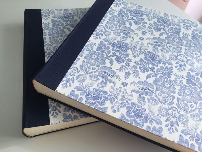 Álbumes de fotos encuadernados estampado azul