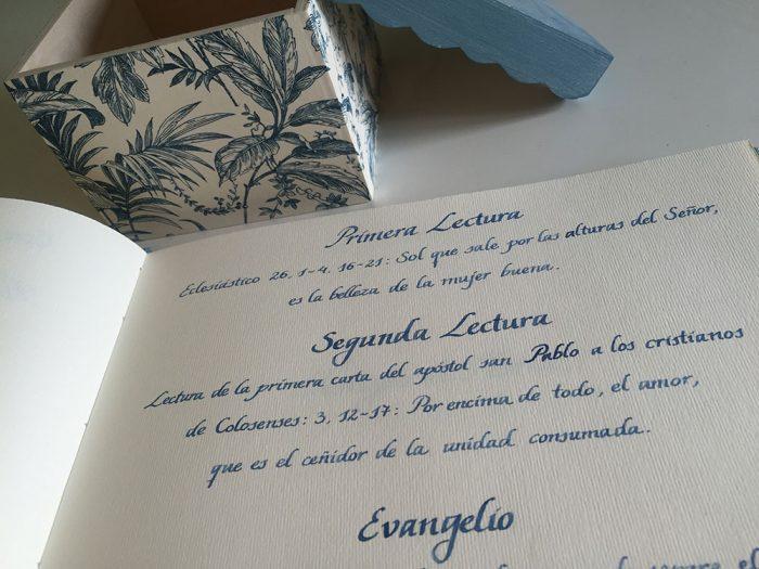 Libro de firmas caligrafía itálica