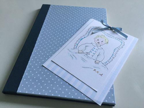 Diario del bebé papel topitos celeste y recordatorio Bautizo
